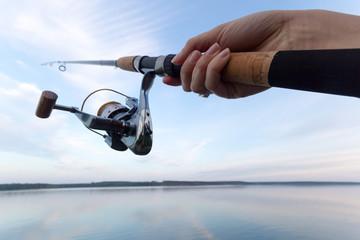 釣りを趣味にしたい方必見!最初に揃えるべき物とは?釣りで危険な行動