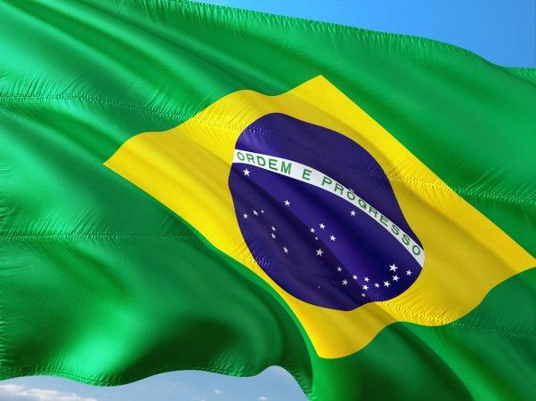 ブラジルの富裕層と貧困層。ヘリコプターが急増したワケ