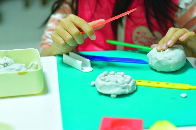 ワークって、お製作って?幼稚園・保育園、入園前の遊びの準備。
