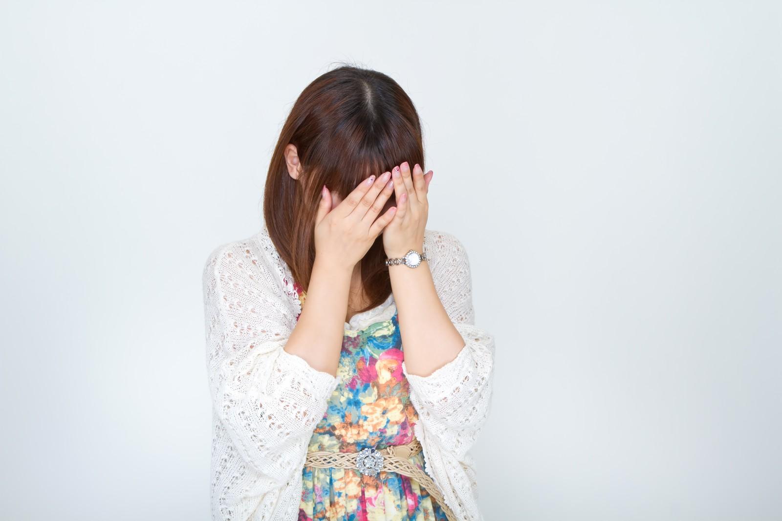 職場の後輩がすぐ泣く…どうすればいいの!?