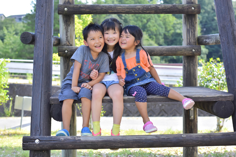 幼稚園児の好む公園遊びの3つのパターンに備える。持ち物は?