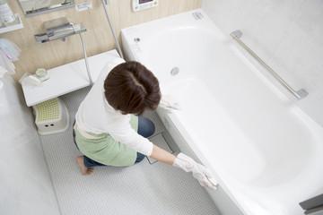 お風呂掃除を完璧にしたい方必見!少し手がかかるけど完璧な掃除方法