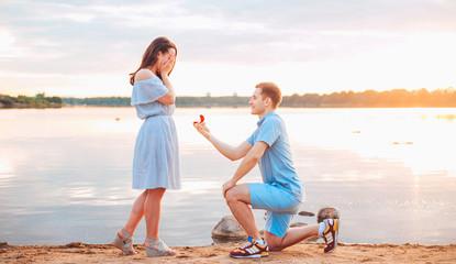 結婚までの流れはどうやって進めたらいいの?プロポーズからの流れとは
